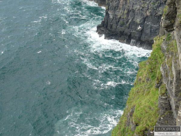 cliff of moher in irlanda sull'oceano atlantico