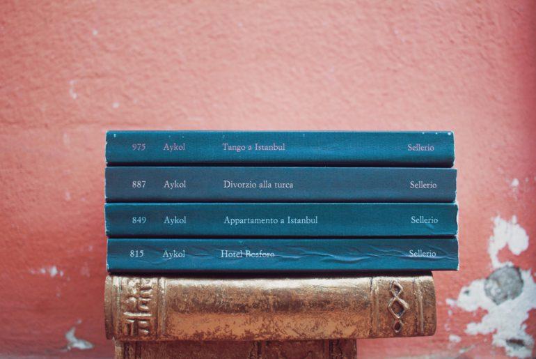 leggere libri su Istanbul turchia