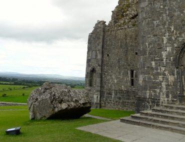rock of cashel visita alla fortezza dei re irlandesi