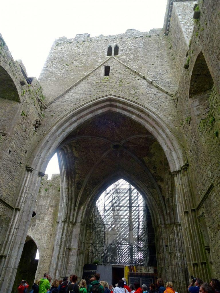 VISITA ALLA ROCK OF CASHEL IN IRLANDA
