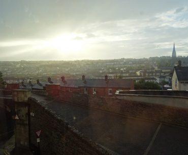 London Derry vista dalle mura della cinta muraria