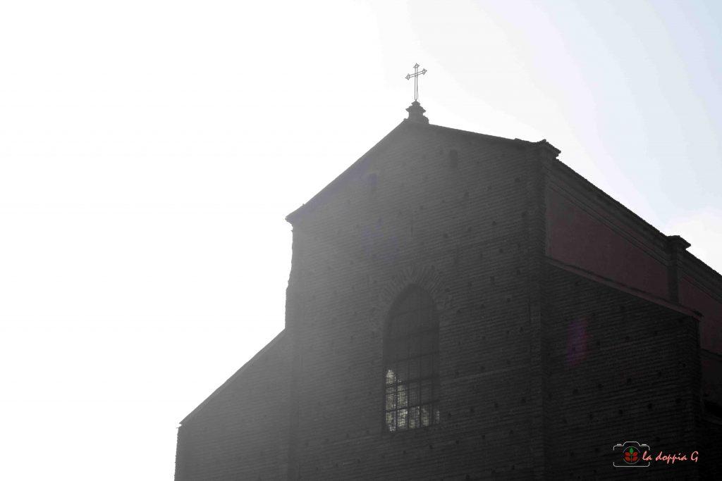 BOLOGNA PASSOPASSO | San Petronio e la Meridiana