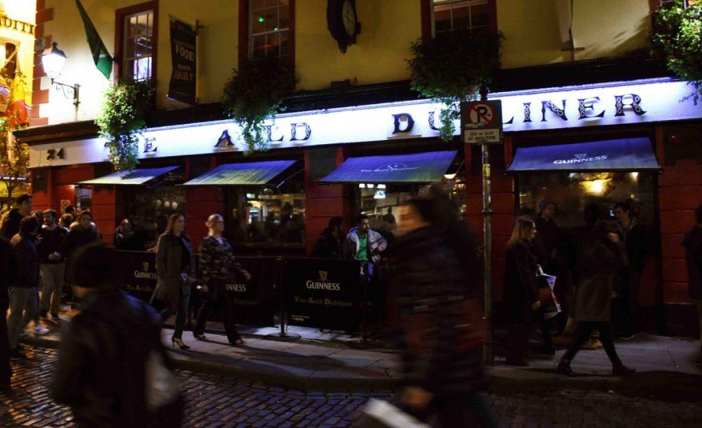 dublino esterno del pub auld dubliner