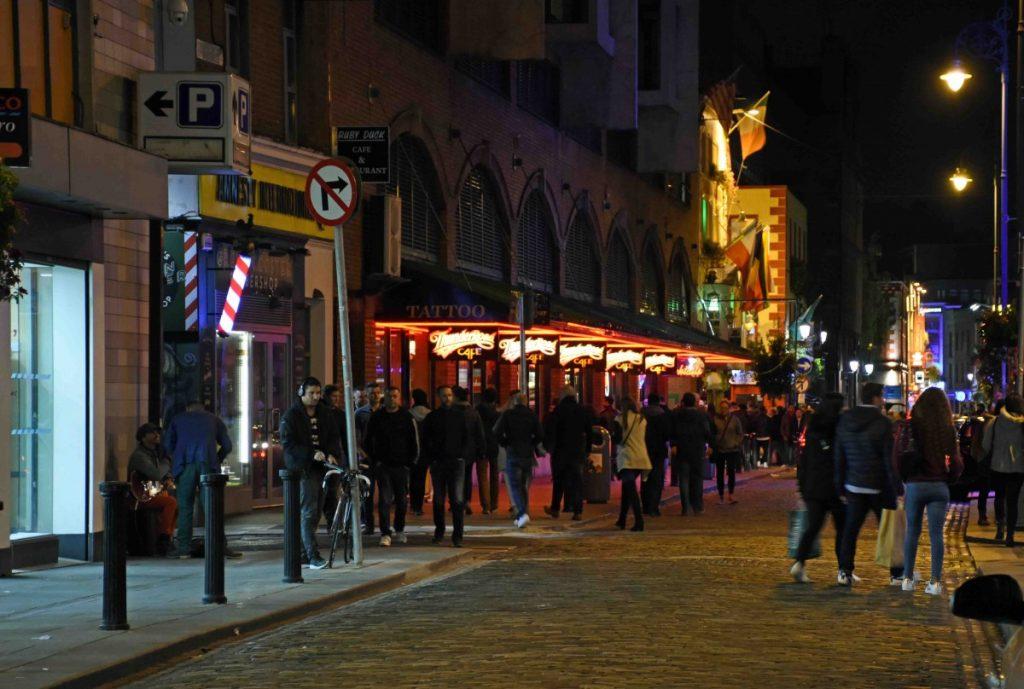 dublino vista di temple bar di sera