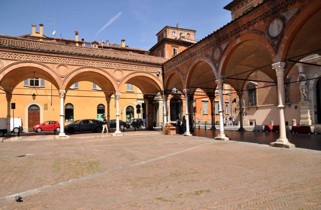 Portico dei Servi Bologna