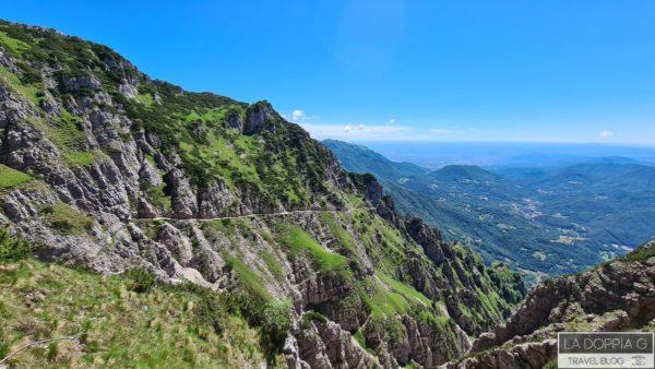 vista dalla strada delle 52 gallerie del monte pasubio